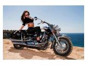 Fototapeta na zeď Dívka na motorce | MS-5-0312 | 375x250 cm Fototapety